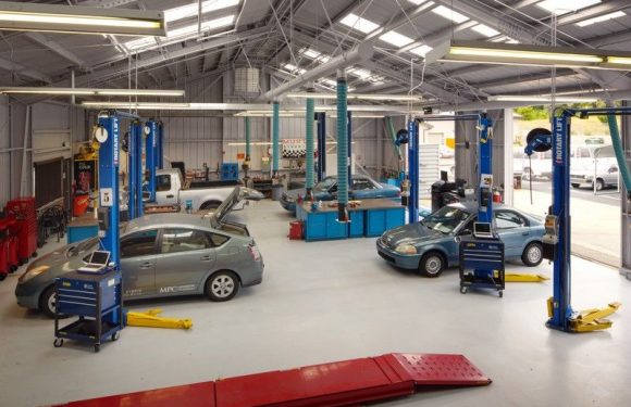 What to see in a car workshop?